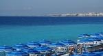 阳光下令人窒息的地中海蓝